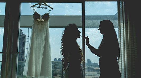 עלות צלם לחתונה צילום מחוץ לעדשה הכנות