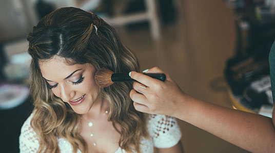 צלמי חתונות הכנות צילום מחוץ לעדשה