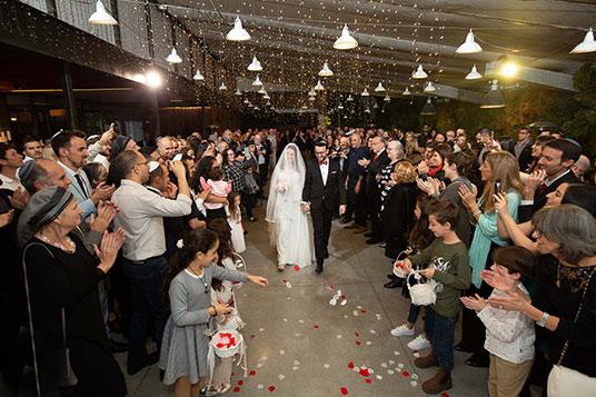 צלמי חתונות צילום מחוץ לעדשה חופה